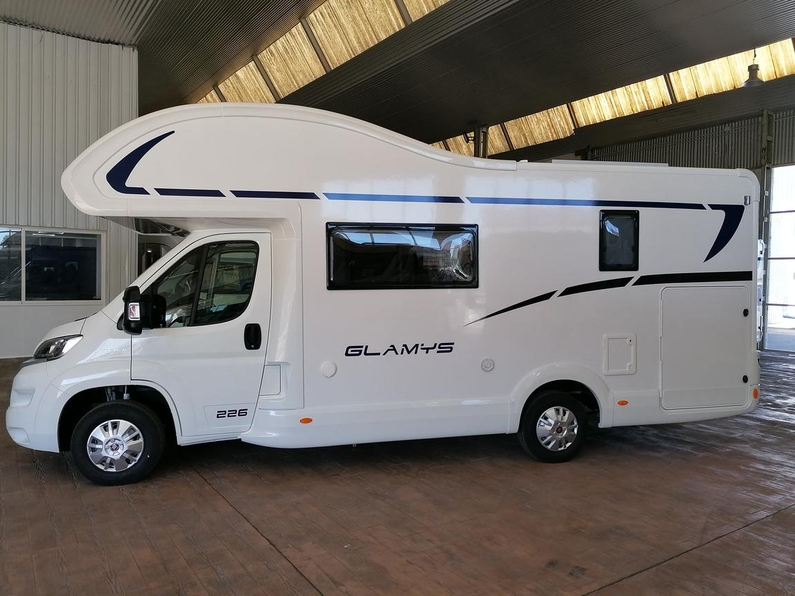 CAPUCHINA MCLOUIS GLAMYS 226 6 plazas FIAT 140 CV