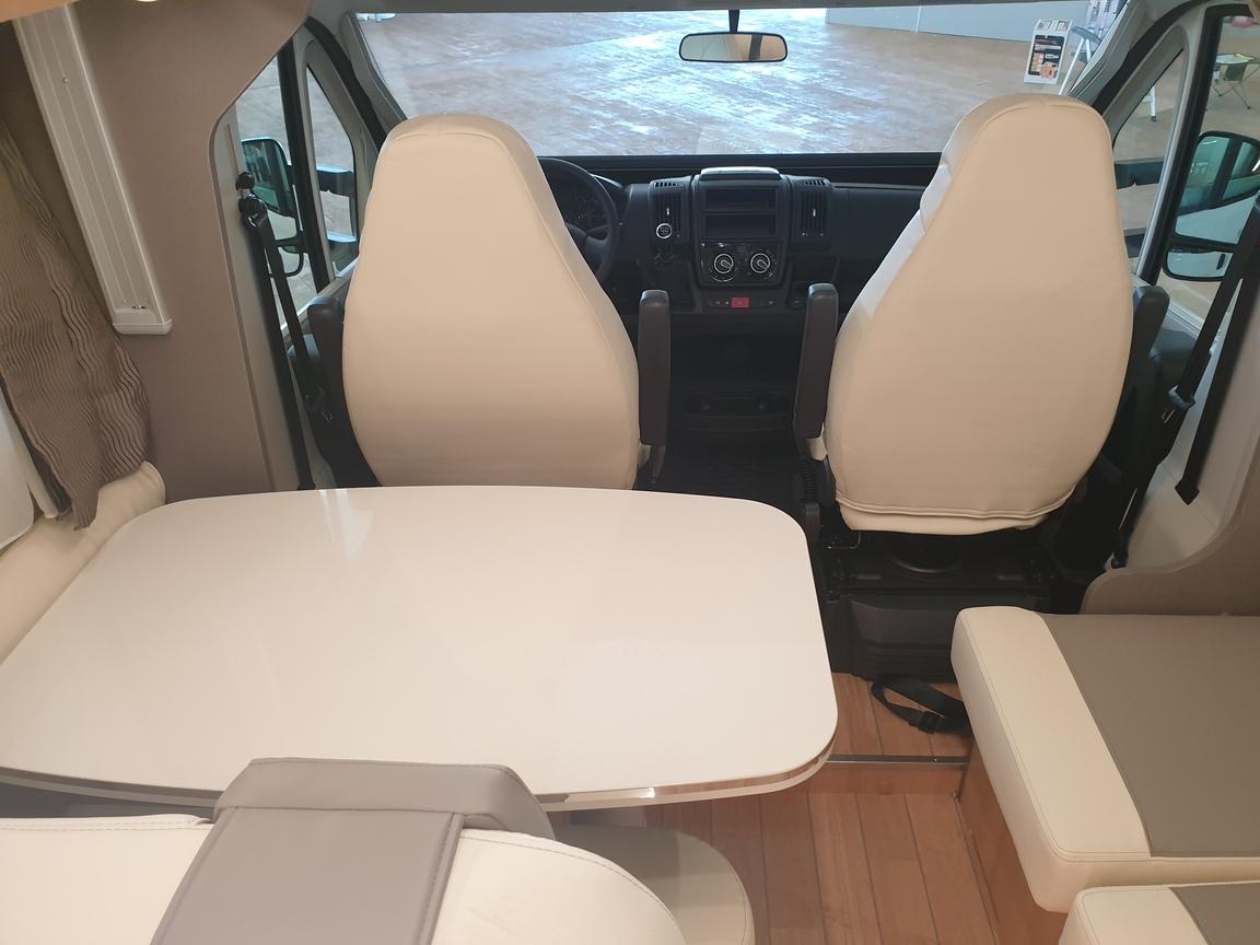 PERFILADA MCLOUIS MC4 360 FIAT 140CV