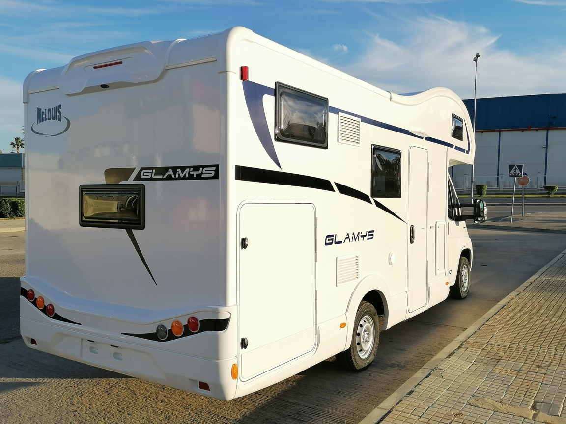 CAPUCHINA MCLOUIS GLAMYS 220 MOTOR FIAT 140CV